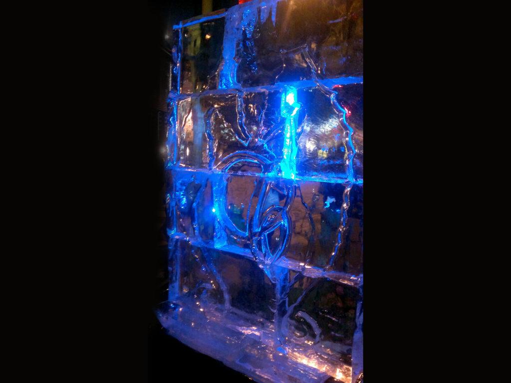 logo su muro di ghiaccio- Ghiaccio d'Arte