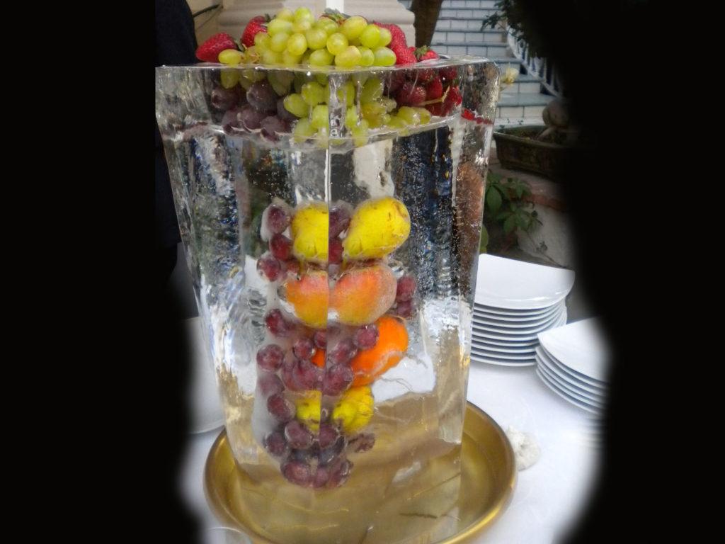 scultura di ghiaccio e frutta 5 - Ghiaccio d'Arte