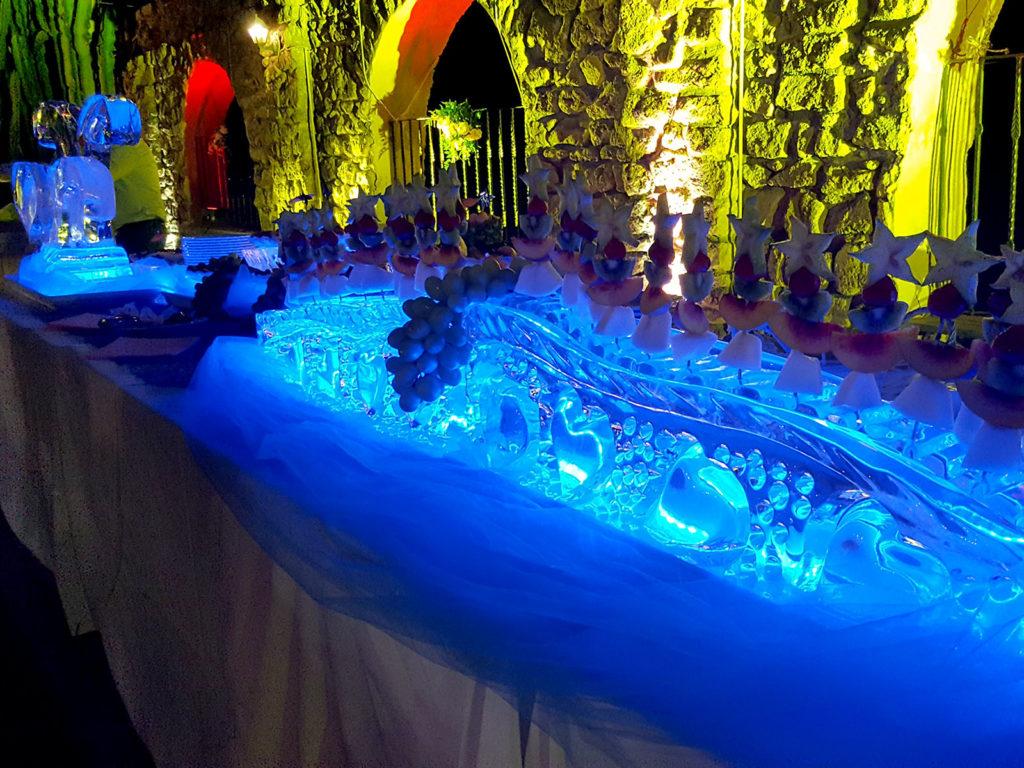 scultura di ghiaccio e spiedini di frutta 5 - Ghiaccio d'Arte