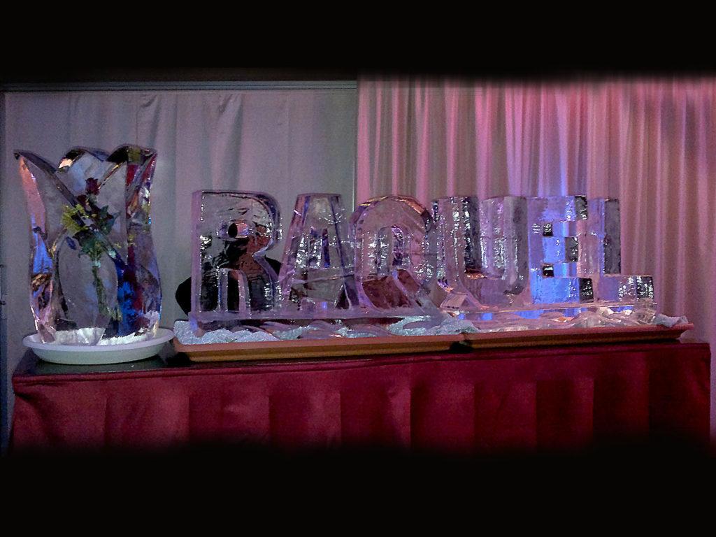scultura di ghiaccio rose e nomi - Ghiaccio d'Arte
